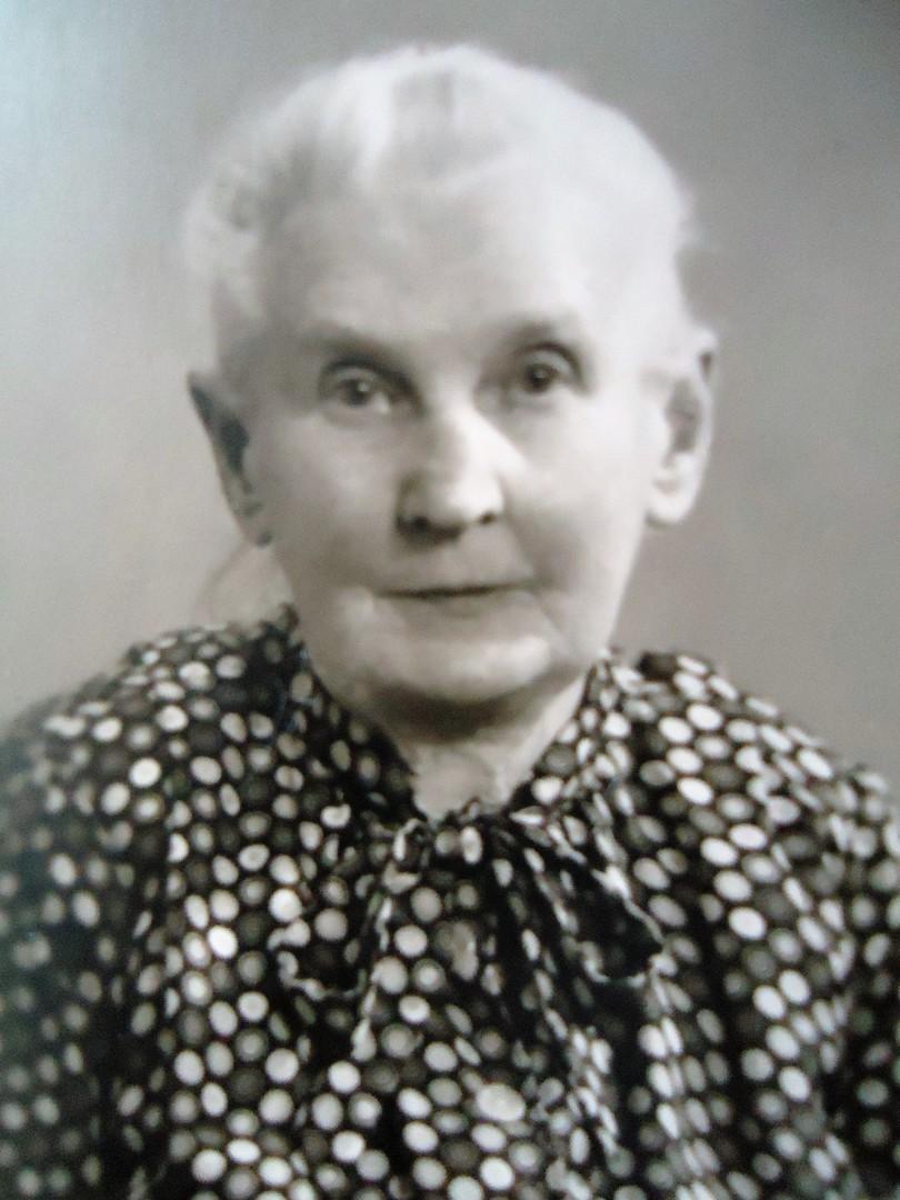 Günter Wirth - 1874: Großmutter Oma Emma